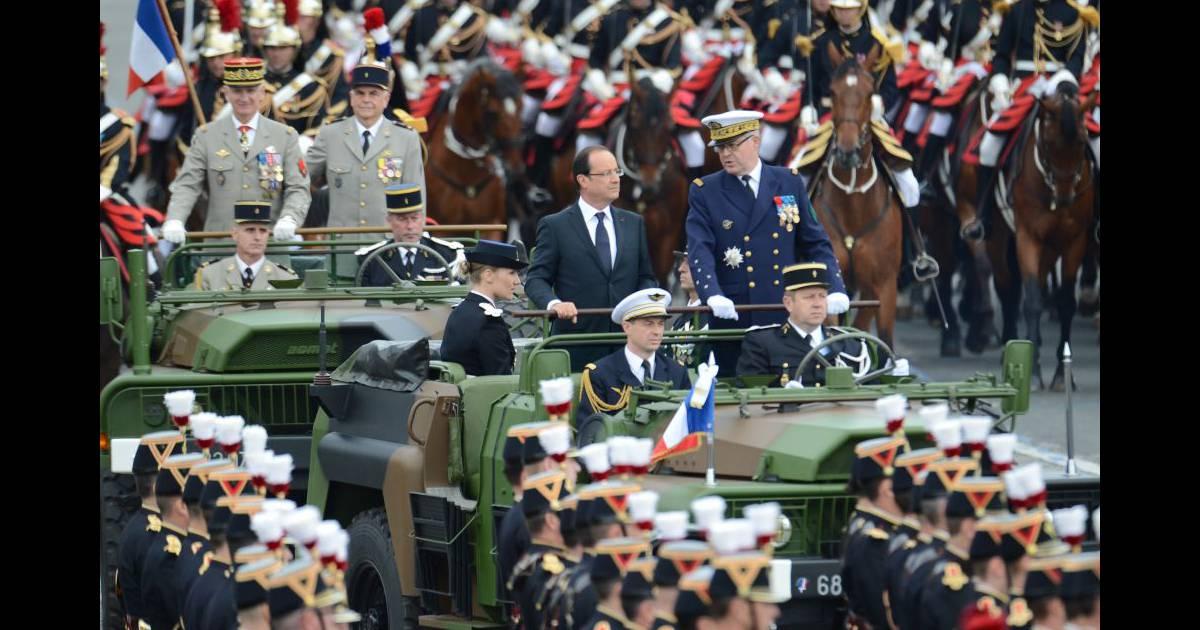Hollande défilé 14 juillet